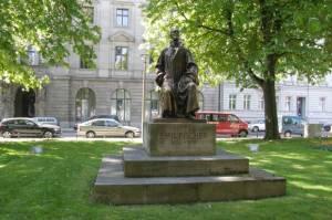 Emil Fischer, Berlin-Mitte