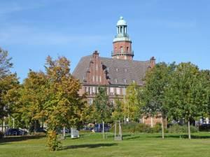 Rathaus Reinickendorf Humboldtspur Etappe 2, Von Tegel zum Märkischen Viertel