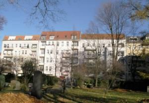 Im HIntergrund die Turiner Straße Garnisonsfriedhof, Wedding
