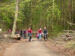 Heiligenseer Weg, der Wanderweg kann zum Teil auch bequem mit dem Rad erfahren werden. (2016) Heiligenseer Weg, 20 Grüne Hauptwege, Weg 3 – Von Heiligensee zum Brandenburger Tor