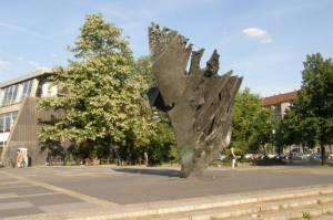 Die Flamme von Bernhard Heiliger (2010) Flamme, Charlottenburg