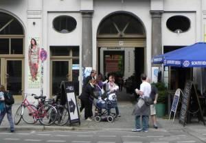 Heckmannhöfe, Eingang Oranienburger Straße (2010) Heckmannhöfe, Neue Synagoge, Monbijoupark