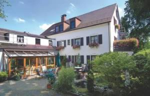 Hotel Neuner, Bergsonstrasse 13a, 81245 Munich