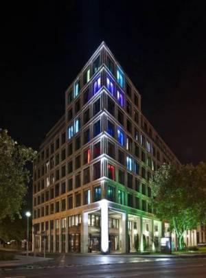 COSMO Hotel Berlin Mitte, Spittelmarkt 13, 10117 Berlin