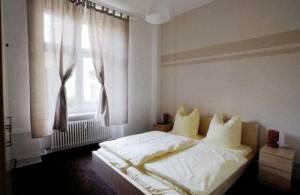 Central Hostel Berlin, Naugarder Str. 7, 10409 Berlin