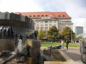 Mit KaDeWe (2010) Südbrunnen Wittenbergpatz, Wittenbergplatz