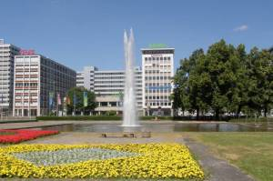 Ernst-Reuter-Platz, Brunnenanlage