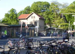 Ausgangspunkt S-Bahnhof Lichtenrade (2011) Nord-Süd-Weg, Etappe 1, Lichtenrade, Freizeitpark Marienfelde, Kloster zum Guten Hirten, Lutherfriedhof,Teltowkanal