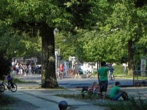 Erwin-Barth-Platz (2011) Erwin-Barth-Platz, Berlin-Charlottenburg, Spielplatz, Liegewiese, Sportplatz