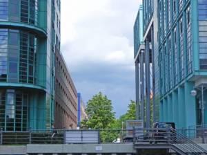 Alt-Moabit, am Bolle-Ufer (2015) Alt-Moabit, Berlin-Moabit, Kleiner Tiergarten, St. Johannis Kirche, Untersuchungshaftanstalt, Carl-von-Ossietzky-Park