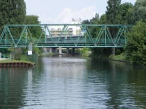 Neuköllner Schifffahrtskanal und Britzer Hafensteg (2014) Neuköllner Schifffahrtskanal, Berlin-Neukölln, Hafen Neukölln, Schleuse Neukölln, Lohmühlenbrücke, Hafen Britz-Ost