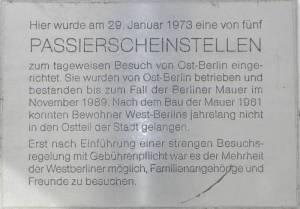 Gedenktafel, ehemalige Passierscheinstelle (2012) Begegnungsstätte Schulstraße, Berlin-Wedding, Ehemalige Passierscheinstelle