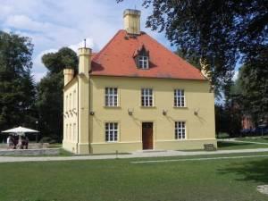 Jagdschloss Groß Schönebeck (2014) Schloßstraße, Groß Schönebeck, Jagdschloss, Waldschule