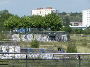 Wiesenpark und Aussichtsterrassen (2013) Wiesenpark, Berlin-Marzahn, Wuhletal, Aussichtsterrassen, Teich, Spielplätze