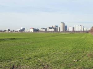 Gropiusstadt von den Großziethener Feldern (2013) Gropiusstadt, Berlin-Neukölln, Gropius Passagen, höchstes deutsches Wohngebäude