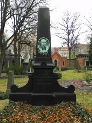 Otto von Camphausen, Alter St. Matthäus Kirchhof