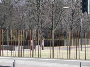 Gedenkstätte Berliner Mauer (2012) Gedenkstätte Berliner Mauer, Berlin-Mitte, Kapelle der Versöhnung, Mauerreste, Informations- und Dokumentationszentrum