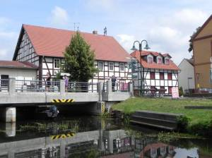 Schlepzig, Brücke über die Hauptspree (2013) Schlepzig, Unterspreewald, Quaaspree, Brauhaus, Whiskybrennerei, Heimatmuseum