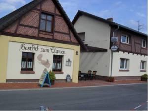 Gasthof zum Slawen, Radduscher Dorfstraße 28, 3226 Vetschau
