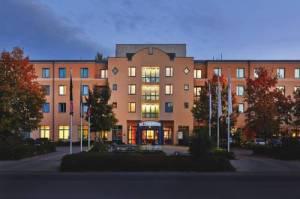 Ramada Hotel Europa, Bergstr. 2, 30539 Hannover