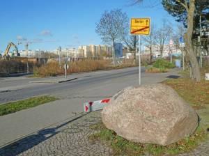 Gedenkstein Grenzöffnung, Großziethen, Mauerweg