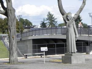 Die Anklagende (2013) Anklagende, Oranienburg, Havelpromenade, Schloss Oranienburg