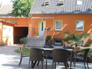 Pension Am Findling, Großbeerenstr.105, 14482 Potsdam