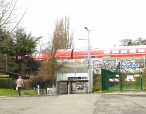Fußgängerunterführung Hildburghauser Straße, S-Bahn Osdorfer Straße, Einkaufszentrum