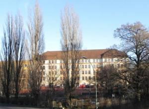 Leopold-Ullstein-Schule (2013) Leopold-Ullstein-Schule, Oberstufenzentrum Wirtschaft
