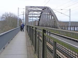 Fußgängerbrücke Templiner See, Eisenbahnbrücke, Templiner See, 66-Seen-Wanderweg, Europawanderweg E11
