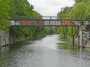 Brücke am Görlitzer Ufer (2014) Görlitzer Ufer-Brücke, Berlin-Kreuzberg, Landwehrkanal, Görlitzer Park,