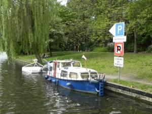 Sportbootliegestelle am Landwehrkanal (2014) Görlitzer Ufer, Berlin-Kreuzberg, Landwehrkanal, Görlitzer Park, Lohmühleninsel