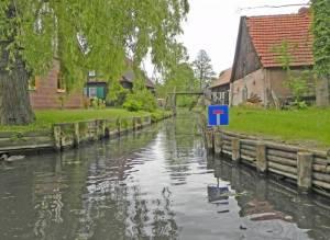 Lehder Graben mit einem Nebenarm, der als Sackgasse endet (2014) Lehder Graben, Lehde, Fröhlicher Hecht, Freilandmuseum, Bootsfeuerwehr