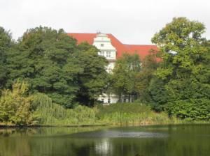 Alfred-Nobel-Schule, Britzer Kirchteich (2014) Alfred-Nobel-Schule, Berlin-Britz,