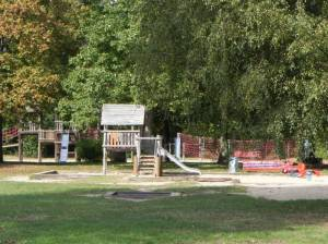 Spielplatz im Yehudi-Menuhin-Park (2014) Yehudi-Menuhin-Park, Berlin-Nikolassee,