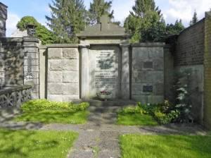 Grabstätte der Familie Pohlmann (2014) Familie Pohlmann, Friedhof Mariendorf II