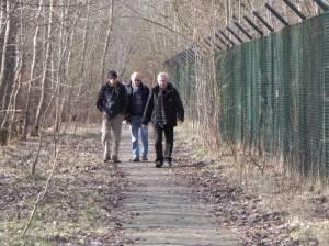 Teltower Dörferweg an der Parks Range (2015) Teltower Dörferweg, Etappe 2, Altstadt Teltow, Teltowkanal, Kirschbaumallee, Johann-Baptist-Gradl-Grünzug