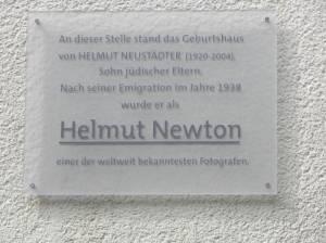 Gedenktafel für Helmut Newton (2011) Helmut Newton, Berlin-Schöneberg, Gedenktafel