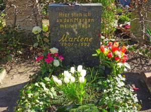 Grabstätte von Marlene Dietrich (2016) Marlene Dietrich, Berlin-Friedenau, Friedhof an der Stubenrauchstraße