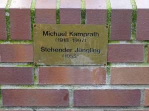 Stehender Jüngling im Sömmeringpark (2016) Nackter Mann, Berlin-Charlottenburg-Nord, Sömmeringpark, Spree