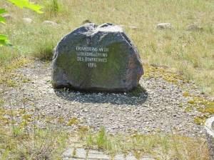 Gedenkstein am ehemaligen Dorfkern von Groß Lübbenau (2017) Groß Lübbenau, Braunkohletagebaulandschaft