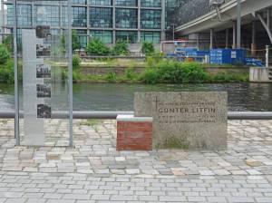 Gedenkstein für Günter Litfin (2017) Günter Litfin, Berlin-Mitte, Humboldthafen