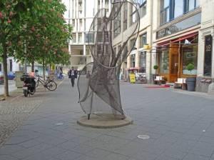 Tanzende Berolina (2017) Tanzende Berolina, Berlin-Mitte, Hausvogteiplatz