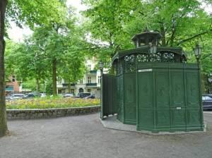 Café Achteck 2016 Café Achteck, Historische Toilettenanlage auf dem Fellbacher Platz