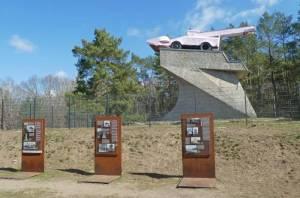 Schneefräse auf  dem ehemaligen Panzerdenkmal 2021 Mauerweg in Kleinmachnow, Panzerdenkmal, Stammbahn
