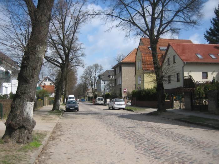 lemkestra e berlin mahlsdorf friedhof mahlsdorf stra e. Black Bedroom Furniture Sets. Home Design Ideas