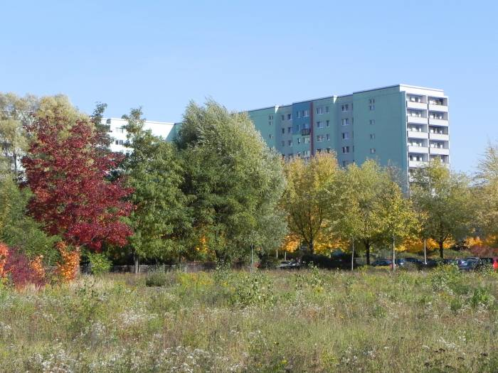 mittenwalder stra e berlin hellersdorf landschaftspark wuhletal landschaftsschutzgebiet. Black Bedroom Furniture Sets. Home Design Ideas