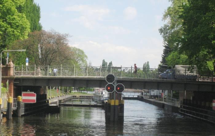 Flohmarkt berlin landwehrkanal