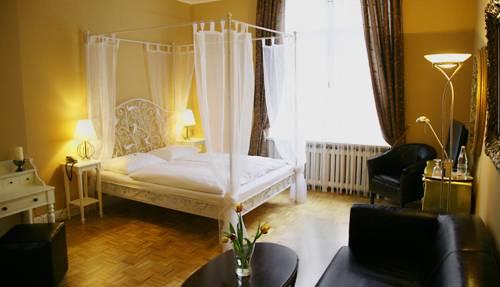 hotel maison am olivaer platz leibnizstr 57 10629 berlin hotel. Black Bedroom Furniture Sets. Home Design Ideas