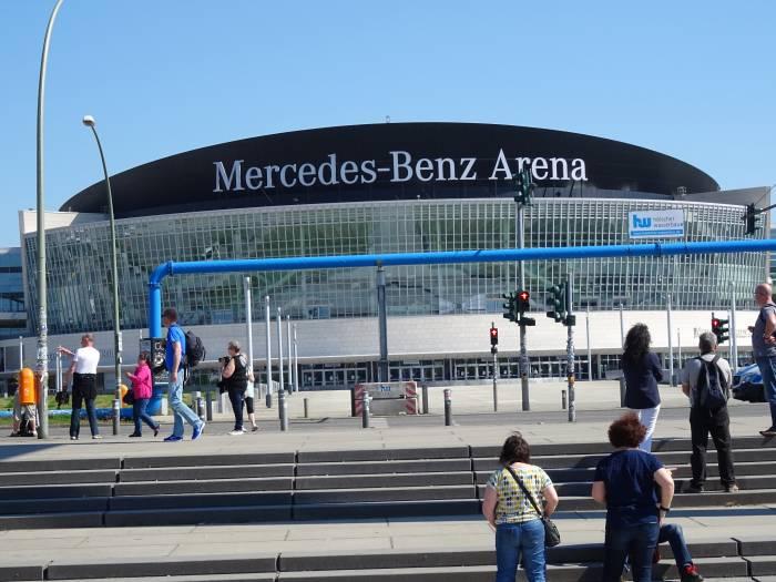 mercedes platz berlin friedrichshain mercedes benz arena. Black Bedroom Furniture Sets. Home Design Ideas